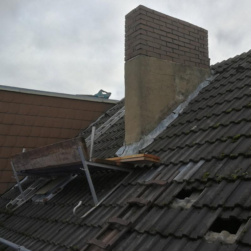 Dachgerüstnutzung zum sicheren Arbeiten in großer Höhe